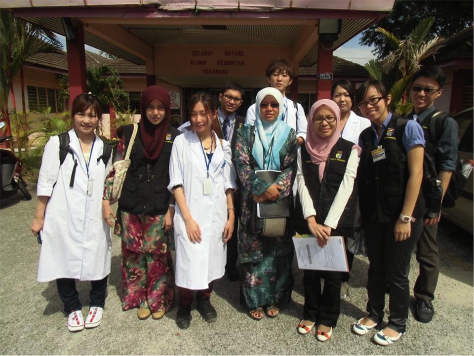 医学研究実習でUKMの地域保健学実習に参加(2012年)